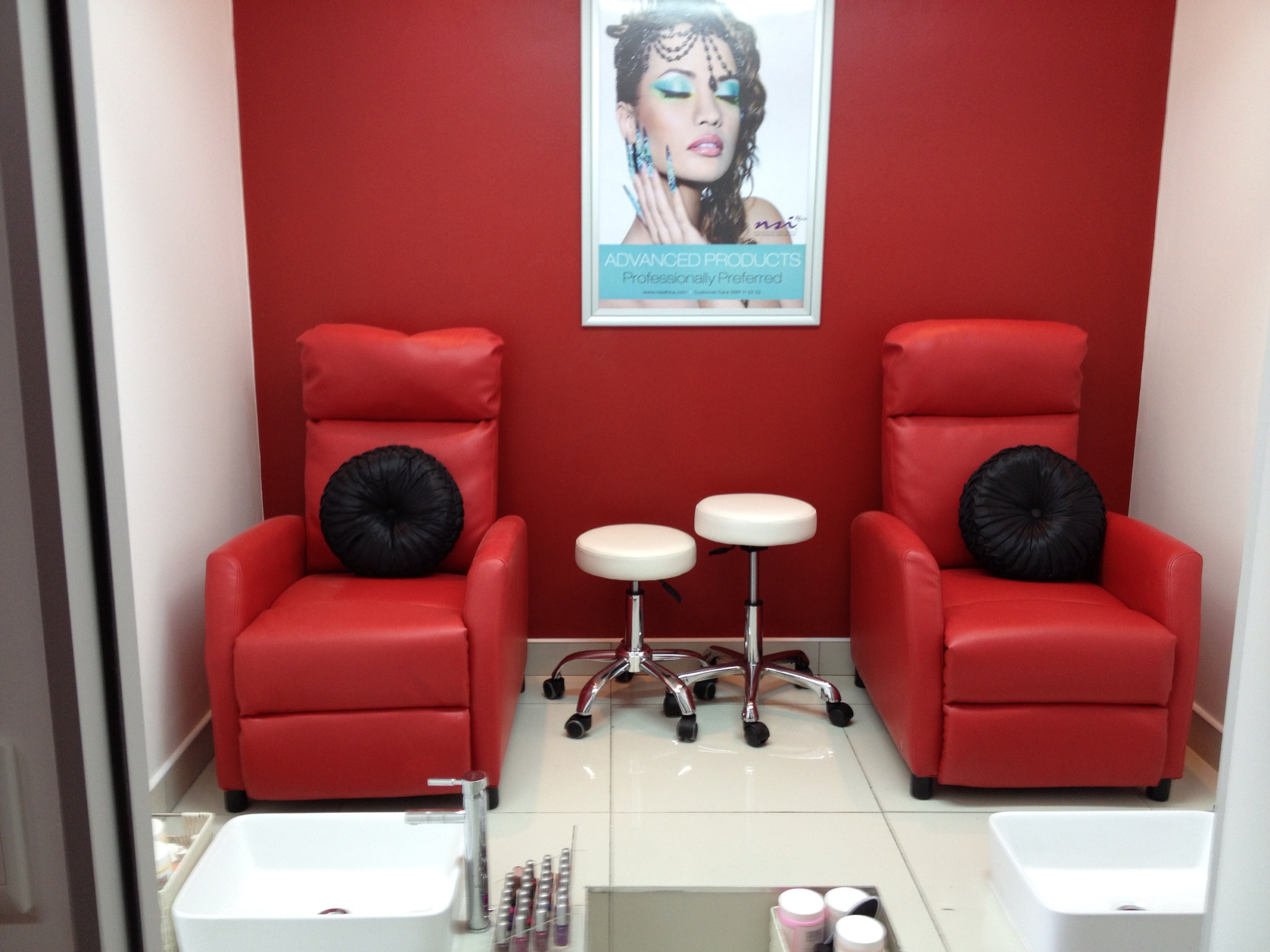 The franchisor esna colyn for A perfect 10 salon